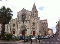église catholique temple protestant et égalise méthodiste